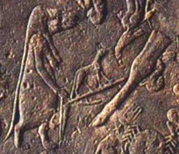 Таурт [Богиня беременности] готовится перерезать пуповину новорожденному Хомо-сапиенсу