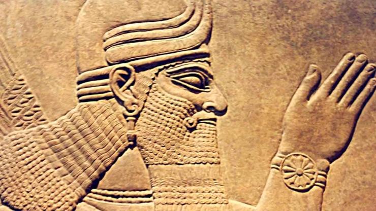 Ануннаки изображали себя как повелителей времени – на всех барельефах с «часиками».