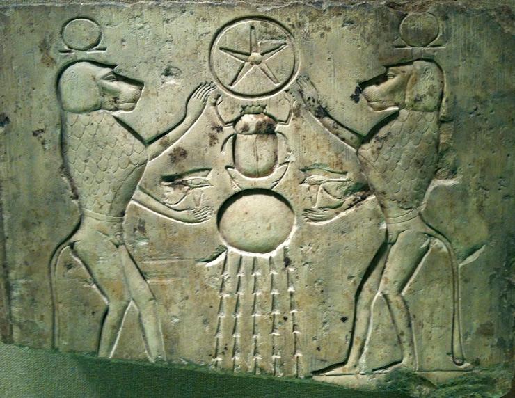 Энки и Энлил (Сет и Гор) в образе павианов боготворят скарабея связующего Солнце и Сириус